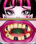 Draculaura Dentist (2 616 times)